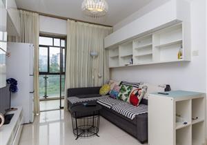 水蓝湾花园 精装2房 稀缺厅出阳台户型 满2年 诚心出售
