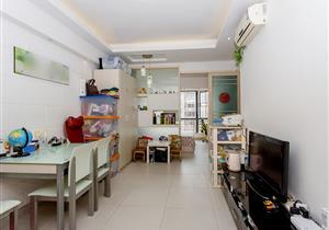 骏庭名园一房出售,地理位置佳,产权清晰,意者从速