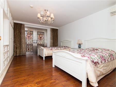 仙湖山庄美式独栋别墅,欧式豪华装修!带250平花园跟私家车库