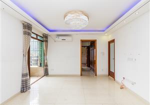 楼下华润万家 高层五房 装修保养好 性价比高