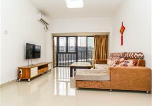 全新精装3房  保养豪  目前空置   看房方便  价格可面
