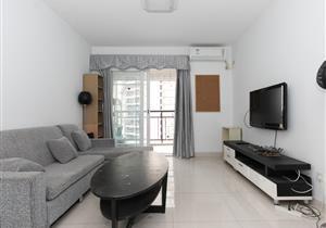 阳光棕榈园 南向安静 精装2房 户型方正实用 客厅出大阳台